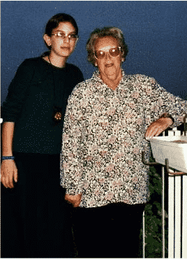 Malki and her Australian grandmother Genia Roth in Jerusalem, Passover 2000